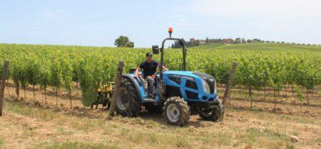 Landini Rex 4 bez kabine kokot agro jastrebarsko traktor hrvatska kupovinaLandini Rex 4 s kabinom kokot agro jastrebarsko traktor hrvatska kupovina